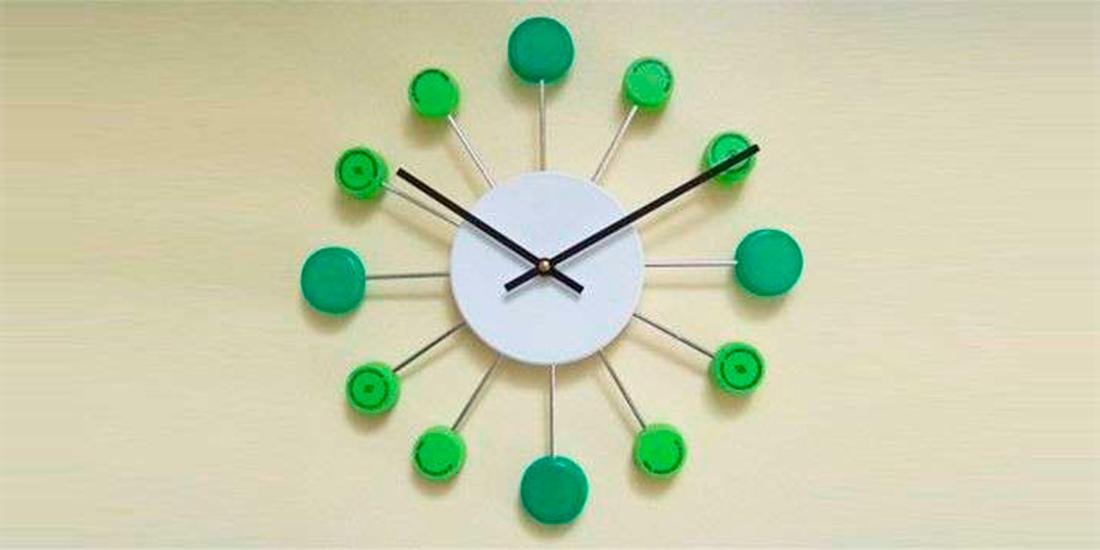 modele creative de ceasuri din materiale reciclabile