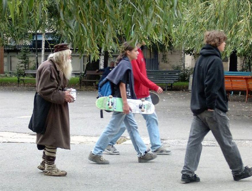 cool-Dobri-Dobrev-story-saint-orphans-street1