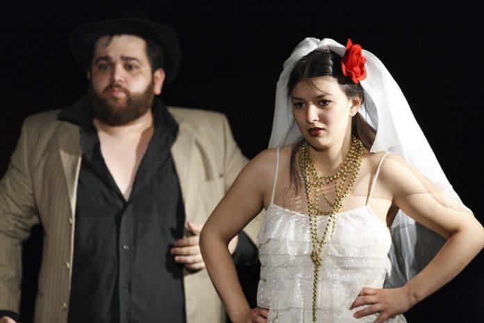 program teatrul in culise