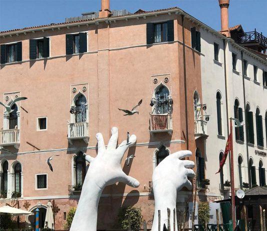 Support - sculptura maini monumentale