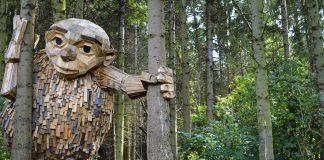 Sculptura in lemn reciclat
